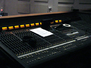 Overdrive Productions Inc. installed a Yamaha M-3000 mixing console at Grace Church International.